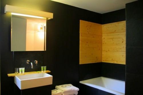 33 dunkle badezimmer design ideen for Badezimmer wandbelag